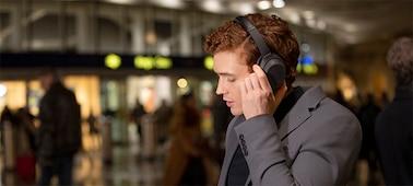 Tai nghe WH-1000XM4 với trợ lý giọng nói