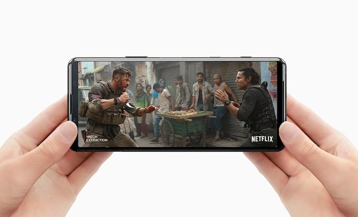 Xem Netflix trên Xperia 5 II