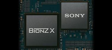 Hình ảnh thể hiện bảng mạch in với LSI IC và bộ xử lý hình ảnh BIONZ X