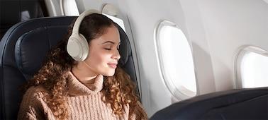 Tai nghe WH-1000XM4 trên một chuyến bay
